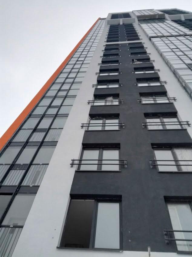 Декоративные ограждения переходных балконов.
